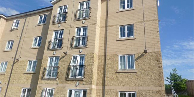 Offers in excess of £60,000, 1 Bedroom Flat For Sale in Shipley, BD17