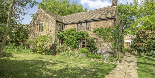 £495,000, 4 Bedroom Detached House For Sale in Brighouse, HD6