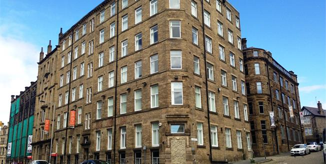 Offers in excess of £35,000, 1 Bedroom Flat For Sale in Bradford, BD1