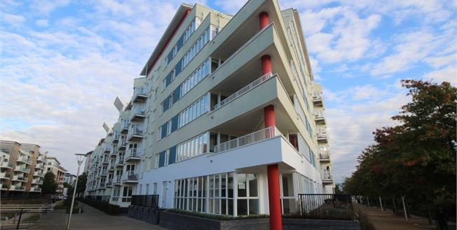 Asking Price £550,000, 2 Bedroom Flat For Sale in Bristol, BS1