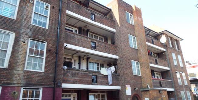 Asking Price £380,000, 3 Bedroom Upper Floor Flat For Sale in London, E1