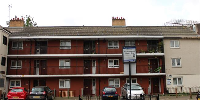 Asking Price £445,000, 2 Bedroom Flat For Sale in London, E1