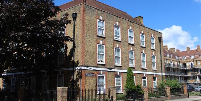 Asking Price £400,000, 2 Bedroom Maisonette For Sale in London, E1