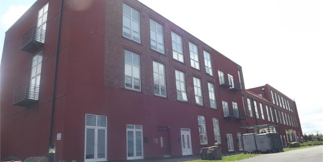 Offers Over £130,000, 3 Bedroom Flat For Sale in Liverpool, L5