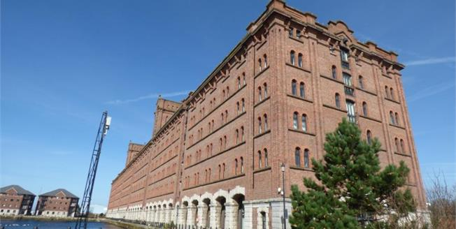 Offers Over £217,500, 2 Bedroom Flat For Sale in Liverpool, L3