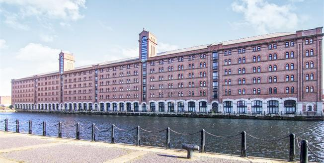 Asking Price £239,950, 2 Bedroom Flat For Sale in Liverpool, L3
