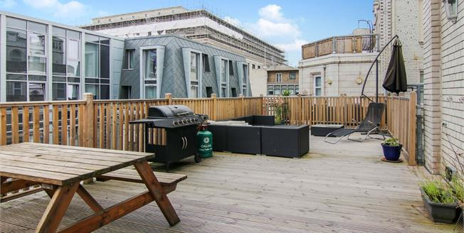 Asking Price £299,950, 3 Bedroom Flat For Sale in Liverpool, L3