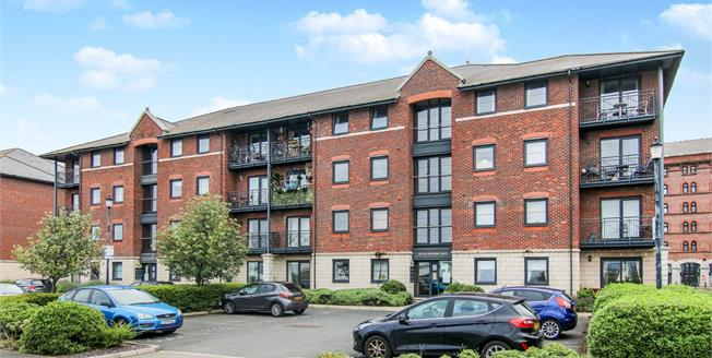 Offers Over £145,000, 2 Bedroom Flat For Sale in Liverpool, L3