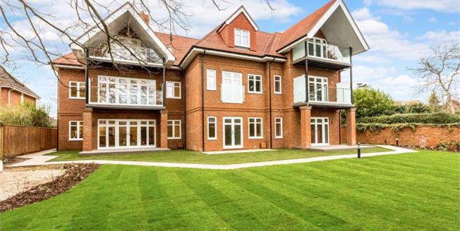 £499,950, 2 Bedroom Ground Floor Flat For Sale in Maidenhead, SL6