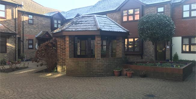 Asking Price £80,000, 1 Bedroom Flat For Sale in Newhaven, BN9
