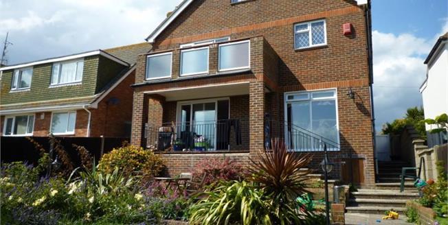 £690,000, 6 Bedroom Detached House For Sale in Saltdean, BN2