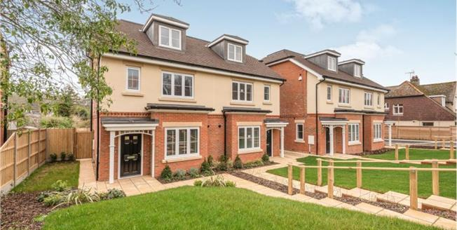 £575,000, 4 Bedroom Semi Detached House For Sale in Rottingdean, BN2