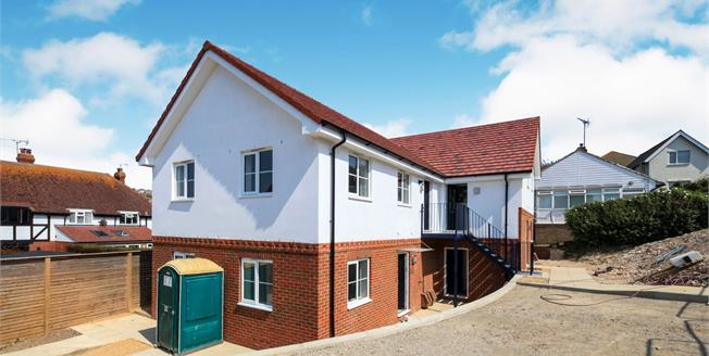 Asking Price £250,000, 2 Bedroom Flat For Sale in Saltdean, BN2