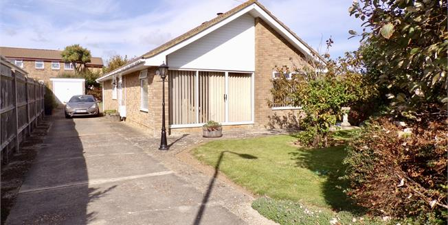 Asking Price £400,000, 3 Bedroom Detached Bungalow For Sale in Peacehaven, BN10