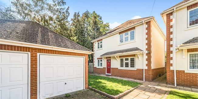 Offers in excess of £450,000, 3 Bedroom Detached House For Sale in Stevenage, SG1