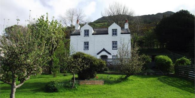 £375,000, 3 Bedroom Detached House For Sale in Conwy, LL34
