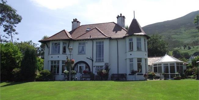 £675,000, 4 Bedroom Detached House For Sale in Dwygyfylchi, LL34