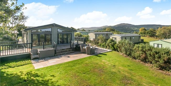 Asking Price £295,000, 2 Bedroom Mobile Home For Sale in Conwy, LL32