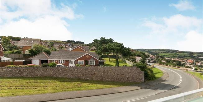 Asking Price £139,500, 2 Bedroom Flat For Sale in Old Colwyn, LL29