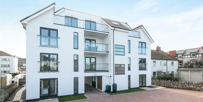 Asking Price £235,000, 2 Bedroom Flat For Sale in Rhos on Sea, LL28