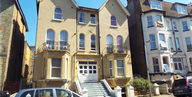 £75,000, 1 Bedroom Flat For Sale in Kent, CT9