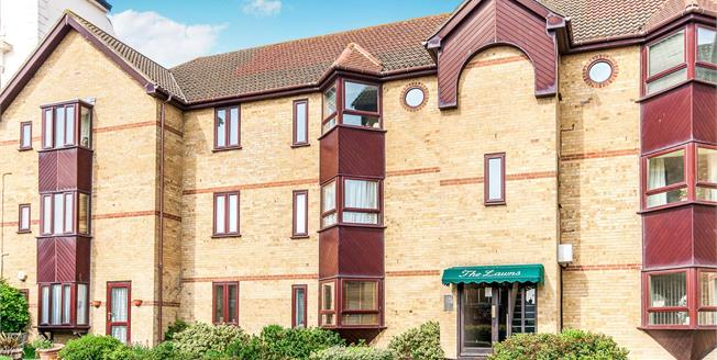 Asking Price £150,000, 2 Bedroom Flat For Sale in Ramsgate, CT11