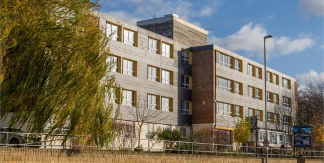 £90,000, 1 Bedroom Ground Floor Flat For Sale in Leeds, LS5