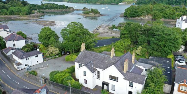 Guide Price £650,000, 6 Bedroom Detached House For Sale in Menai Bridge, LL59