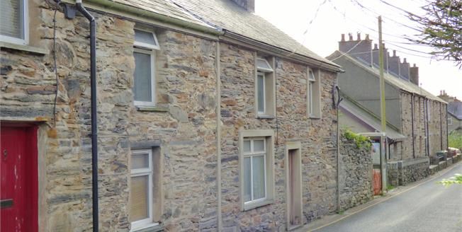 Asking Price £140,000, Terraced House For Sale in Penrhyndeudraeth, LL48