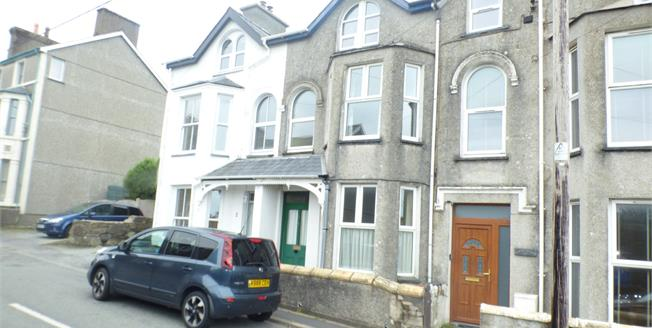 Asking Price £225,000, Terraced House For Sale in Criccieth, LL52