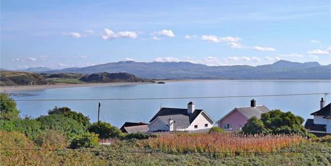 Asking Price £340,000, 3 Bedroom Terraced Cottage For Sale in Criccieth, LL52