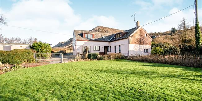 Asking Price £410,000, 3 Bedroom Detached House For Sale in Nefyn, LL53