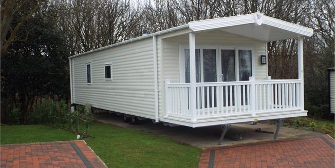 Asking Price £39,950, 2 Bedroom Mobile Home For Sale in Ruthin, LL15