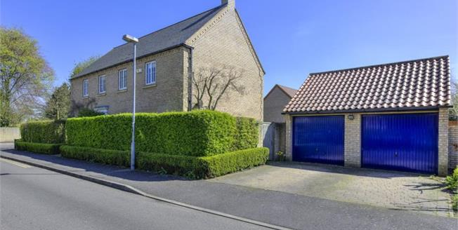 £900,000, 4 Bedroom Detached House For Sale in Teversham, CB1