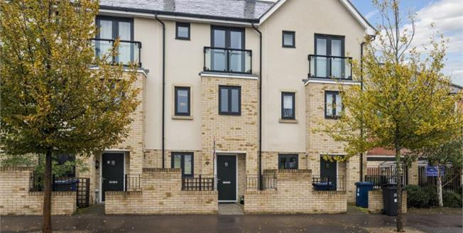 £425,000, 3 Bedroom Town House For Sale in Cambridge, CB4