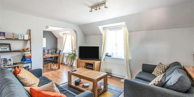 £190,000, 2 Bedroom Flat For Sale in Ely, CB7