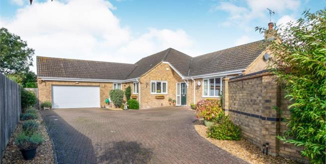 £525,000, 4 Bedroom Detached House For Sale in Little Downham, CB6
