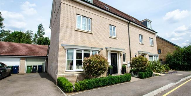 Asking Price £550,000, 4 Bedroom Semi Detached House For Sale in Whittlesford, CB22