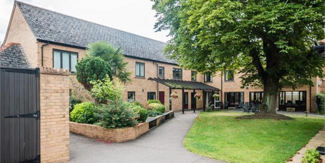 £185,000, 1 Bedroom Ground Floor Flat For Sale in Histon, CB24