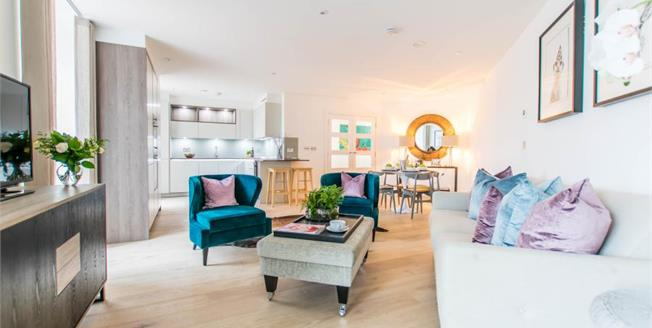 Guide Price £475,000, 2 Bedroom Flat For Sale in Stansted, CM24
