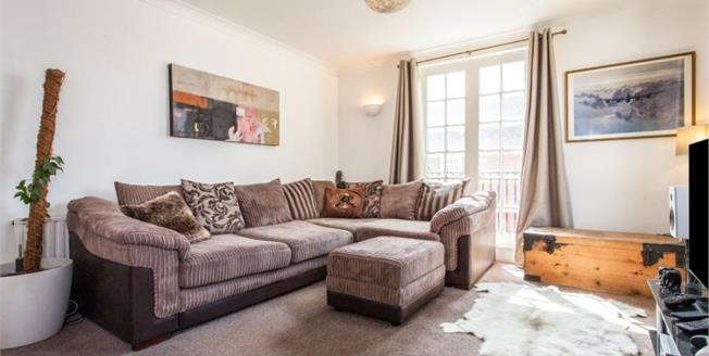 Guide Price £180,000, 1 Bedroom Flat For Sale in Saffron Walden, CB10