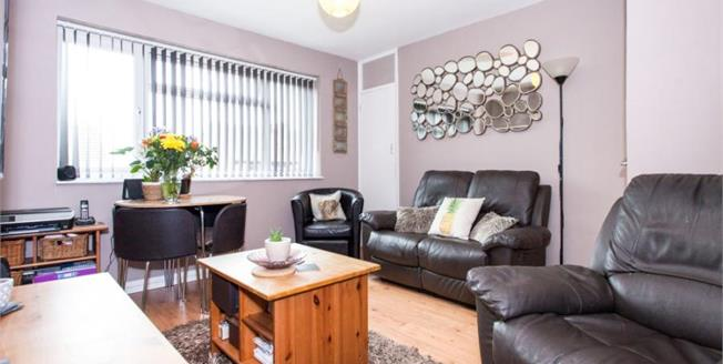 Guide Price £260,000, 2 Bedroom Upper Floor Maisonette For Sale in Saffron Walden, CB10