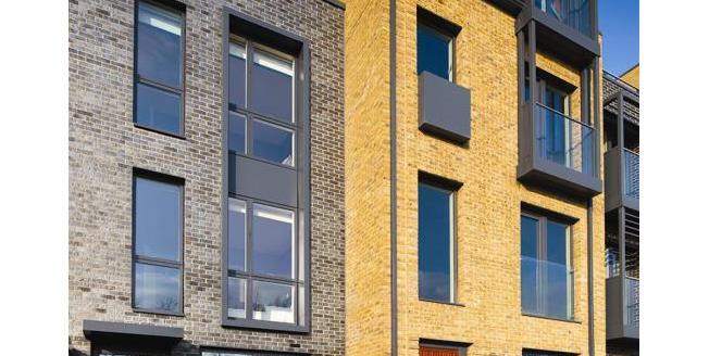 £915,000, 3 Bedroom House For Sale in Kidbrooke Village, SE3