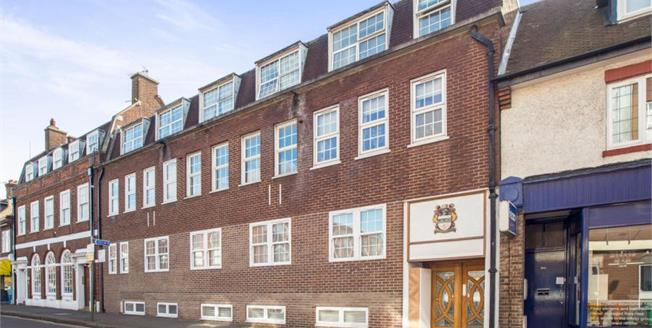 Offers in excess of £180,000, Ground Floor Flat For Sale in Sutton, SM2