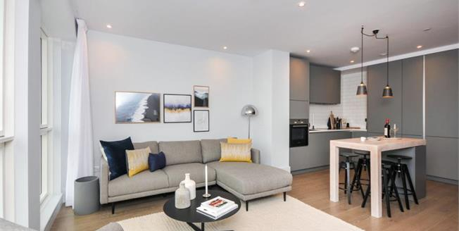 £454,000, 2 Bedroom Flat For Sale in Croydon, CR0