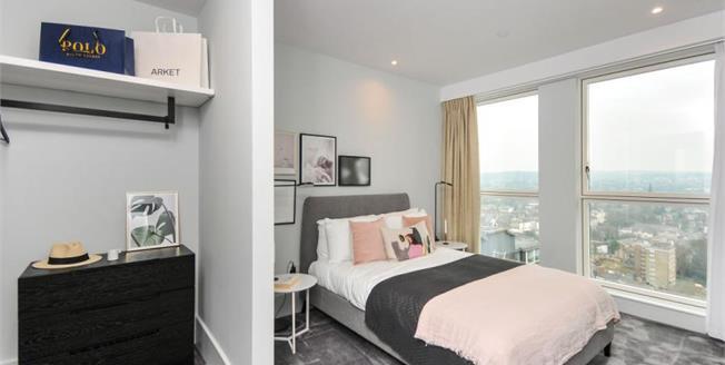 £454,000, 2 Bedroom Flat For Sale in Croydon, CR0