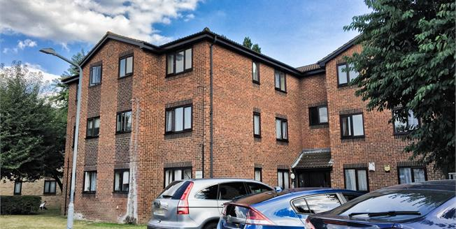 Asking Price £210,000, 1 Bedroom Flat For Sale in Ilford, IG1