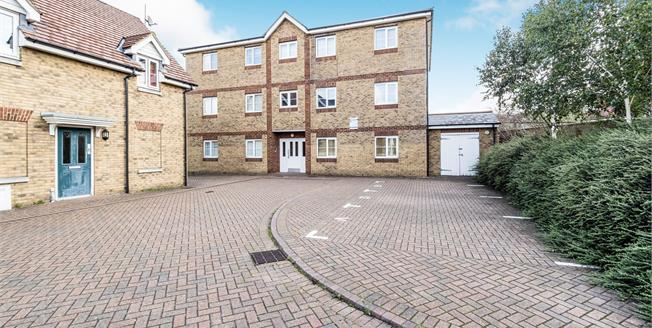 Offers in excess of £325,000, 2 Bedroom Flat For Sale in Ilford, IG1