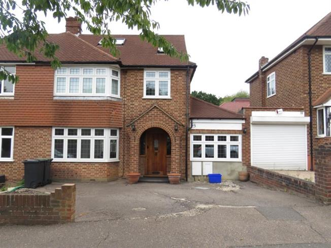 Chigwell Ig7 4 Bedroom House For Sale
