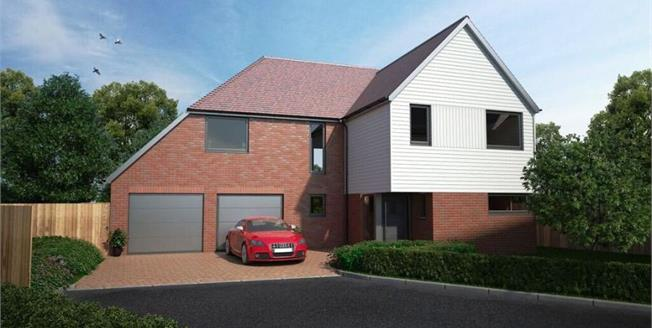 £595,000, 5 Bedroom Detached House For Sale in Canterbury, CT2
